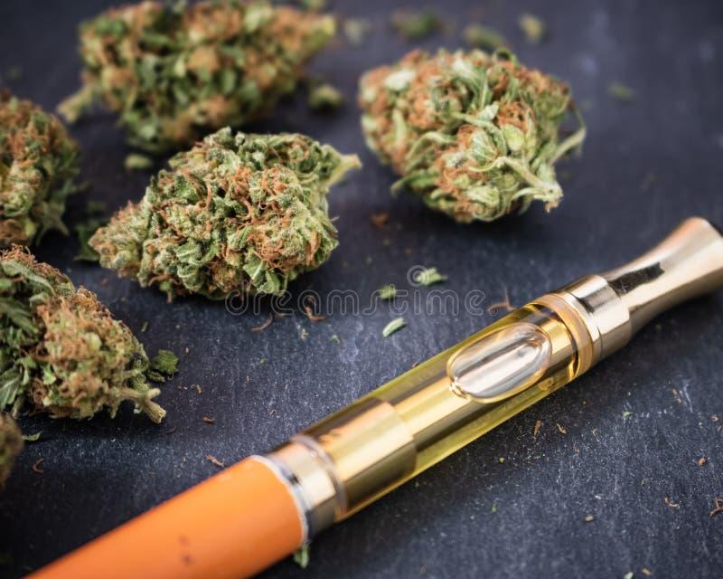 De Pen van marihuanavape stock foto's