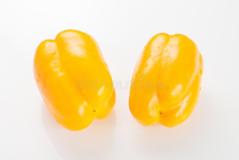 De peper van kleurenspaanse pepers op witte achtergrond stock fotografie