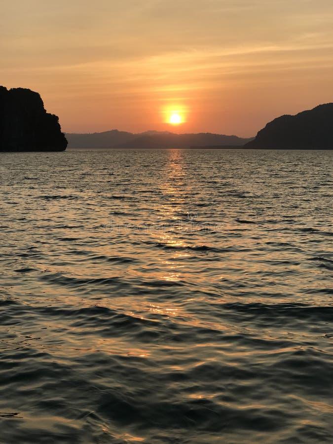 De perfecte zonsondergang van Thailand royalty-vrije stock afbeelding
