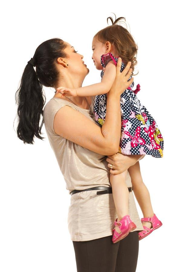 De peutermeisje van de moederholding royalty-vrije stock foto's