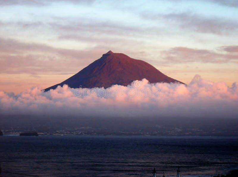 De Pico-vulkaan stock afbeeldingen