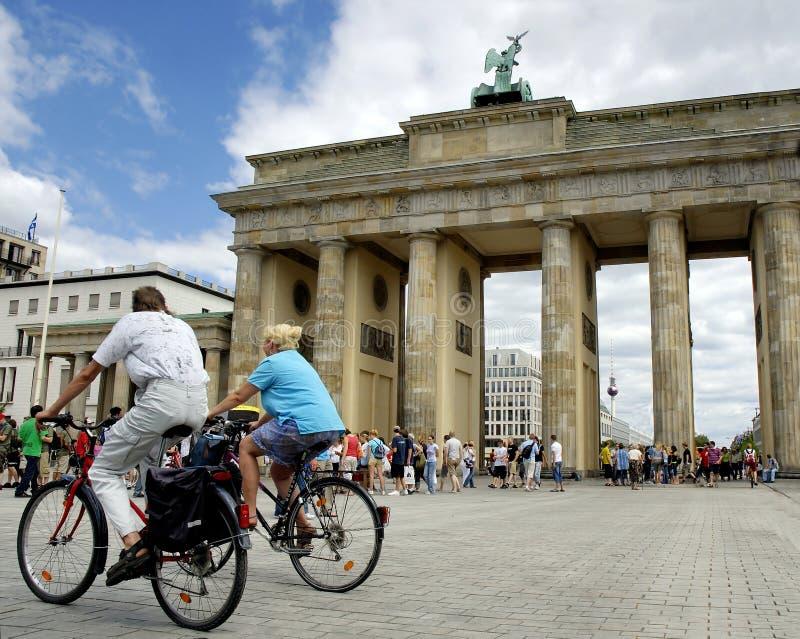 De Piek Berlijn van Brandenburger stock afbeeldingen