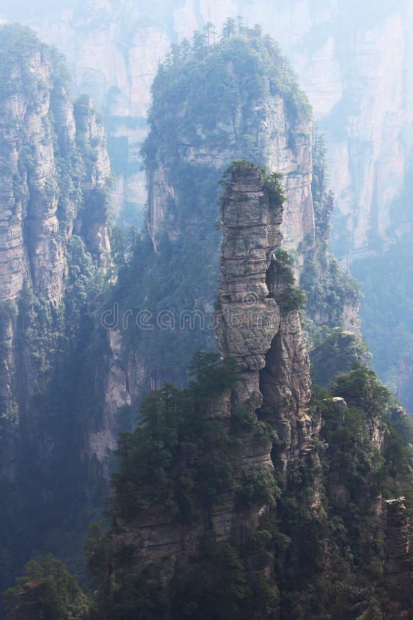 De piek van de berg stock afbeelding