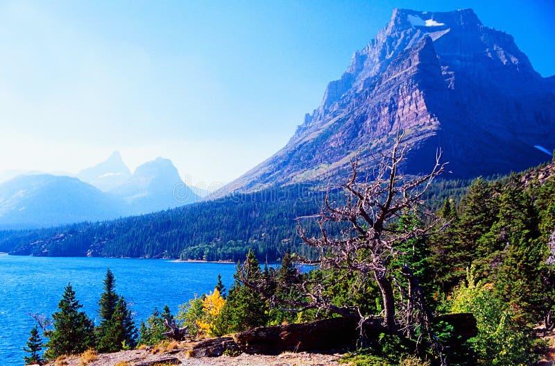 De piek van de berg royalty-vrije stock afbeelding