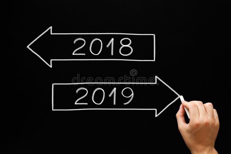 De Pijlenconcept van het nieuwjaar 2019 Begin stock afbeeldingen