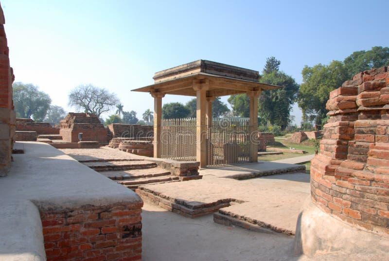 De pijler van Ananda Stupa en Asokan-in Kutagarasala Vihara, Vaishali, stock foto's