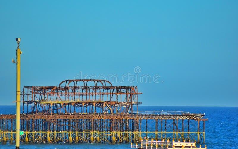 De Pijler van Brighton in de zomer stock foto's