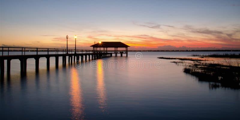 De Pijler van de Sebringsstad bij zonsondergang, Florida royalty-vrije stock foto's