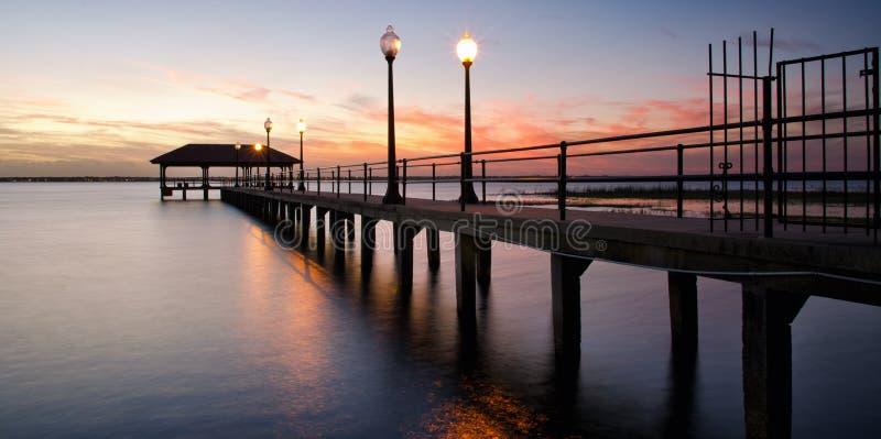 De Pijler van de Sebringsstad bij zonsondergang, Florida stock fotografie