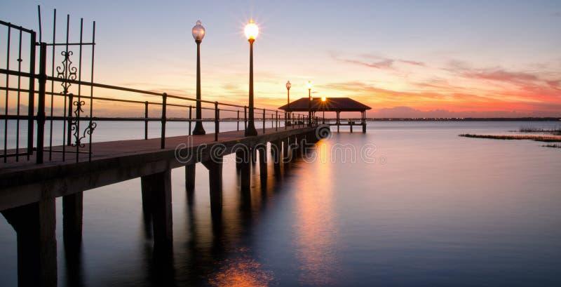 De Pijler van de Sebringsstad bij zonsondergang, Florida royalty-vrije stock fotografie