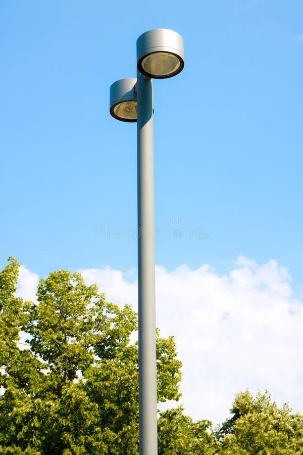 De pijler van het straatlantaarnmetaal stock foto's