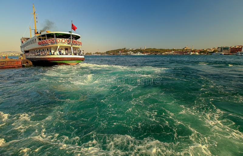 De pijler van landschapskarakoy van Istanboel stock afbeeldingen