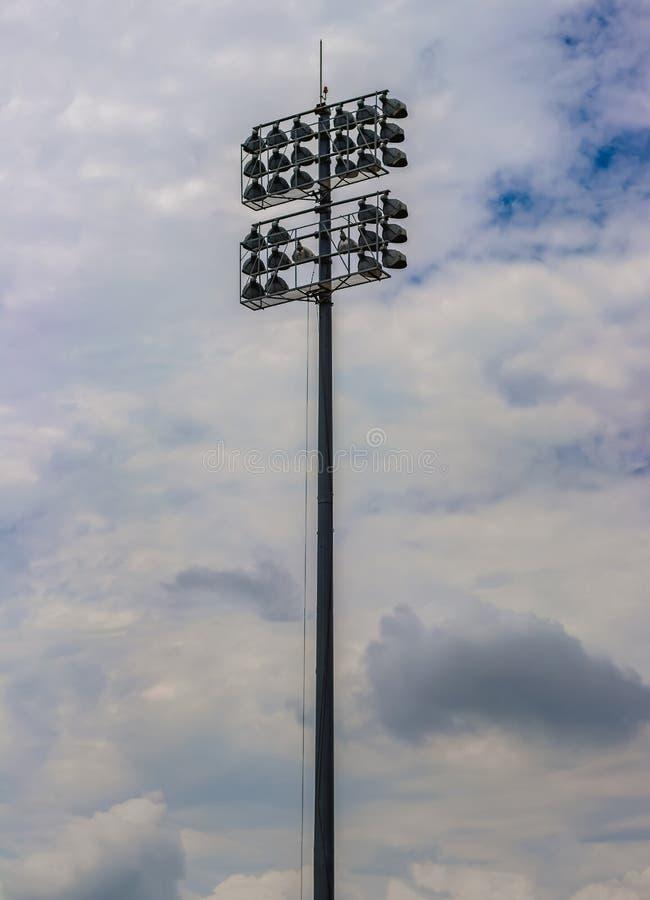 De Pijler van de stadionverlichting royalty-vrije stock afbeeldingen