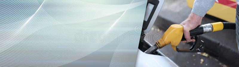 De pijp van de de brandstofpomp van de handholding en het opnieuw vullen van auto Panoramische banner stock illustratie