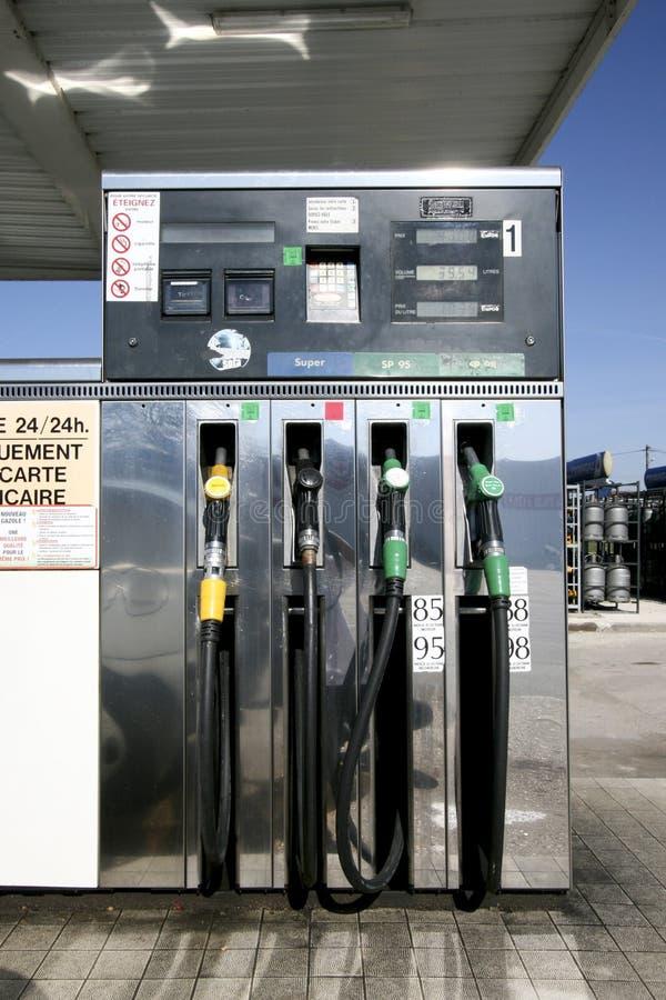 De pijp van de benzinepomp stock foto