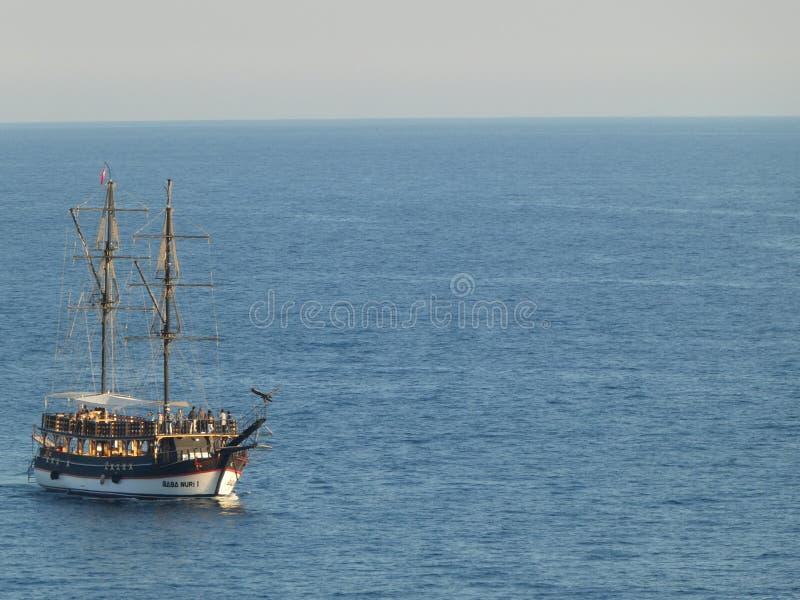 De piraat verscheept oude stad Antalya Turkije stock afbeeldingen