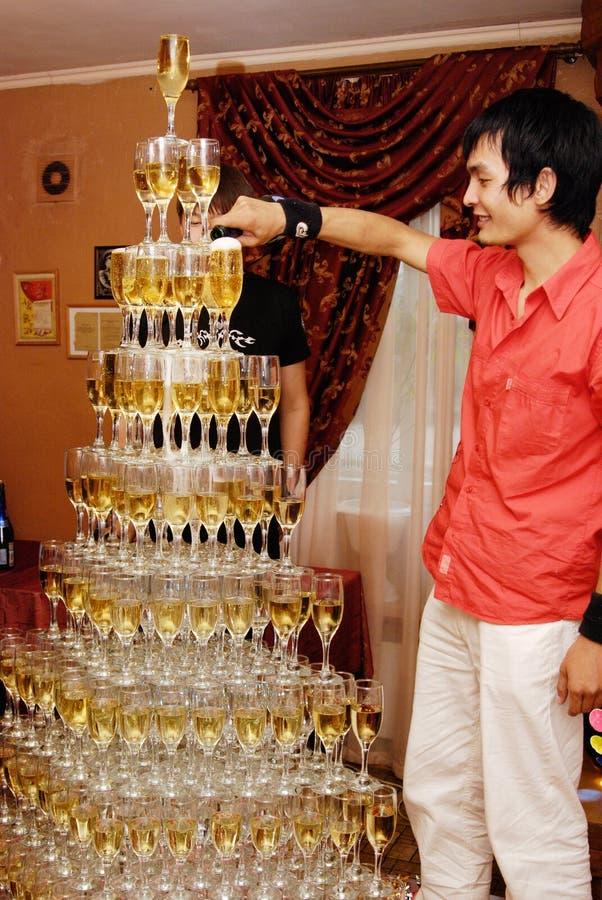 De piramide van Champagne stock afbeeldingen