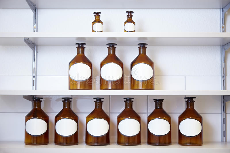 De piramide van de fles stock foto's