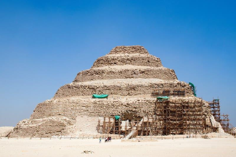 De piramide van de stap van Djoser stock afbeeldingen