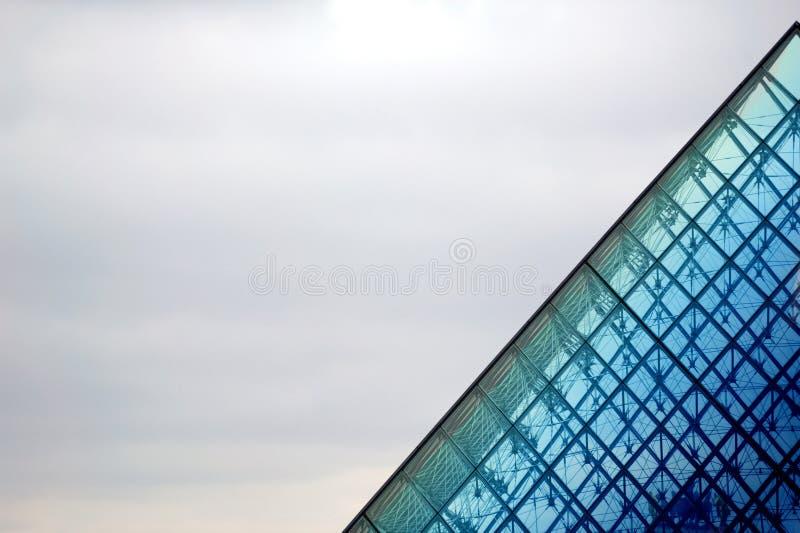 De Piramide van het Louvre, Parijs, Frankrijk royalty-vrije stock afbeeldingen