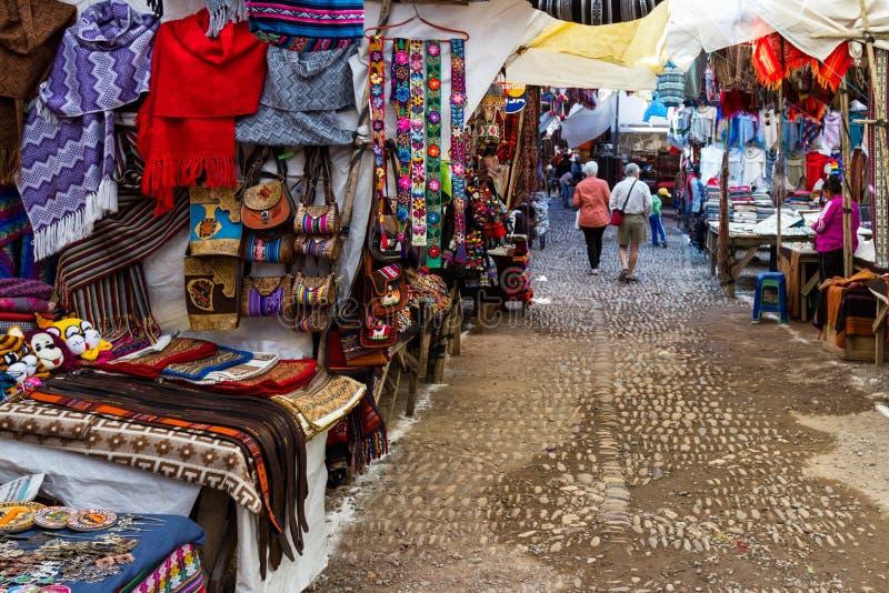 De Pisac-Markt in Peru stock afbeeldingen