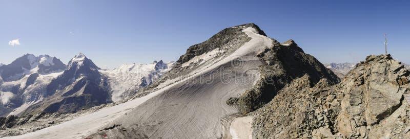 ` De Piz Corvatsch do ` do pico de montanha, Graubunden, cumes suíços, Suíça imagem de stock