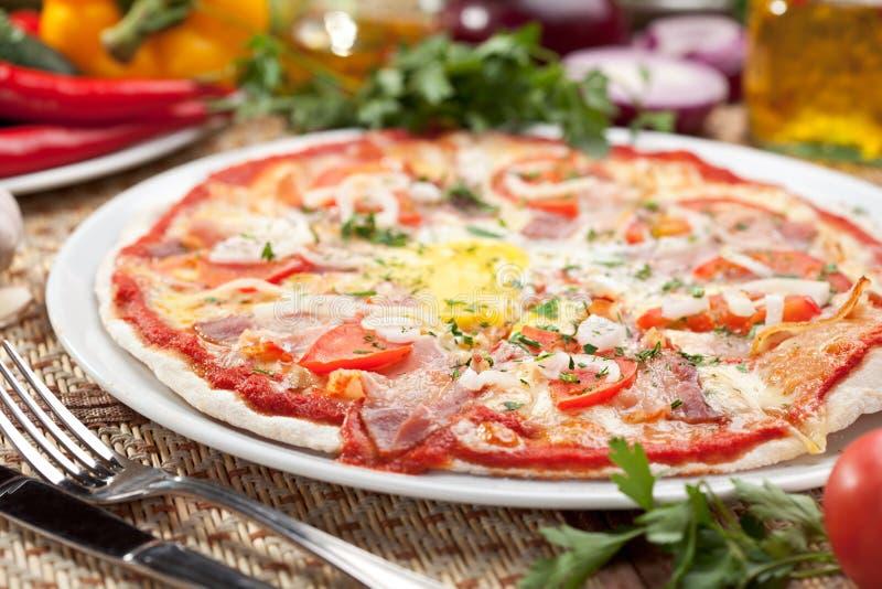 De Pizza van Carbonara royalty-vrije stock fotografie