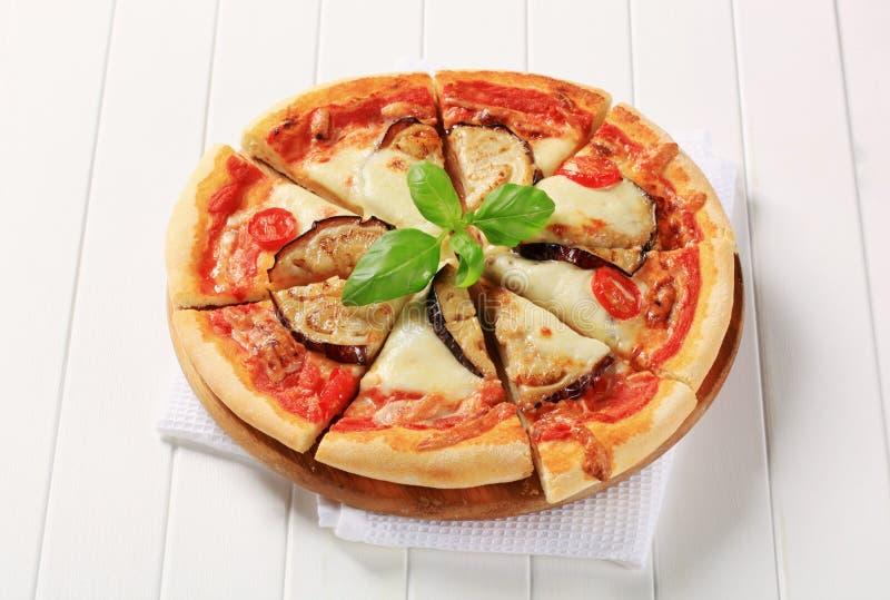 De pizza van de aubergine en van de kaas stock afbeeldingen