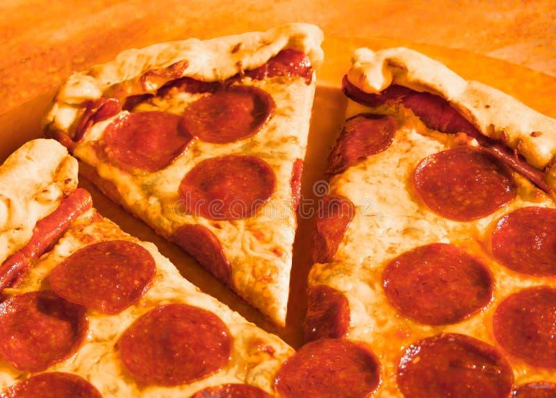 De pizza van pepperonis stock fotografie