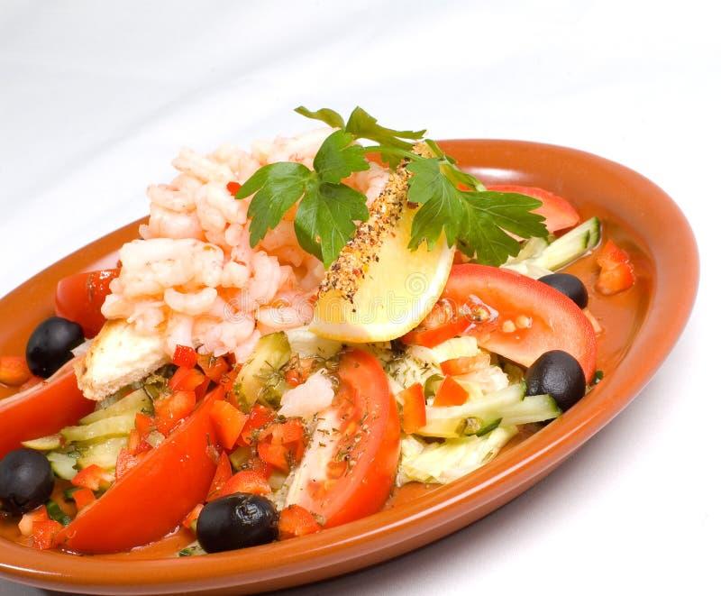 De Plaat van de Salade van garnalen stock foto's