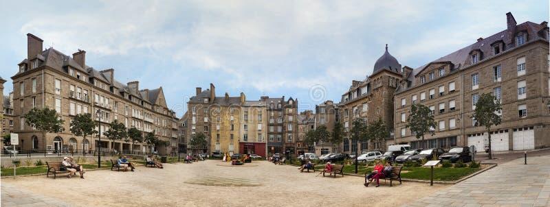 De Plaats Des Frères Lamennais bij de Ommuurde Stad in Saint Malo royalty-vrije stock foto's