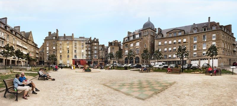 De Plaats Des Frères Lamennais bij de Ommuurde Stad in Saint Malo royalty-vrije stock foto