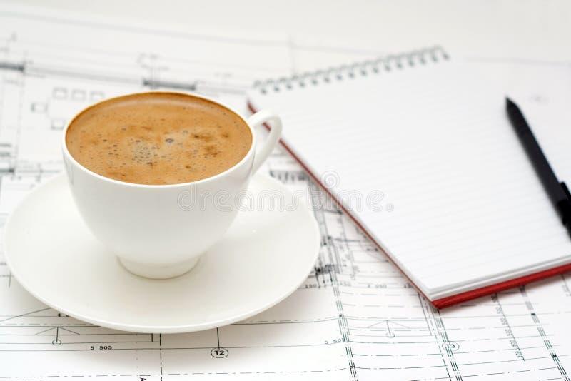 De plaats van het werk met koffie. royalty-vrije stock afbeelding