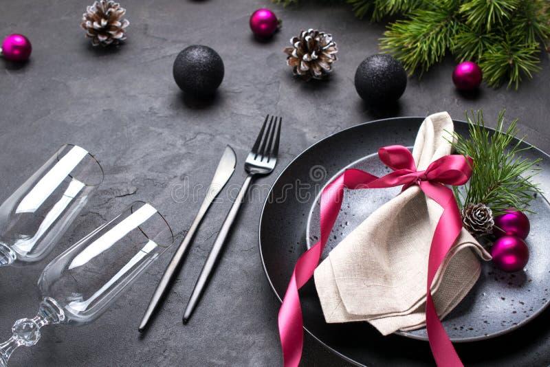 De plaats van de Kerstmislijst het plaatsen De achtergrond van de vakantie Kerstmisdiner, partijontwerp, concept royalty-vrije stock afbeeldingen