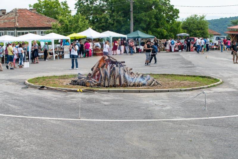 De plaats van nestinar dans in het dorp van Bulgari in Bulgarije royalty-vrije stock foto