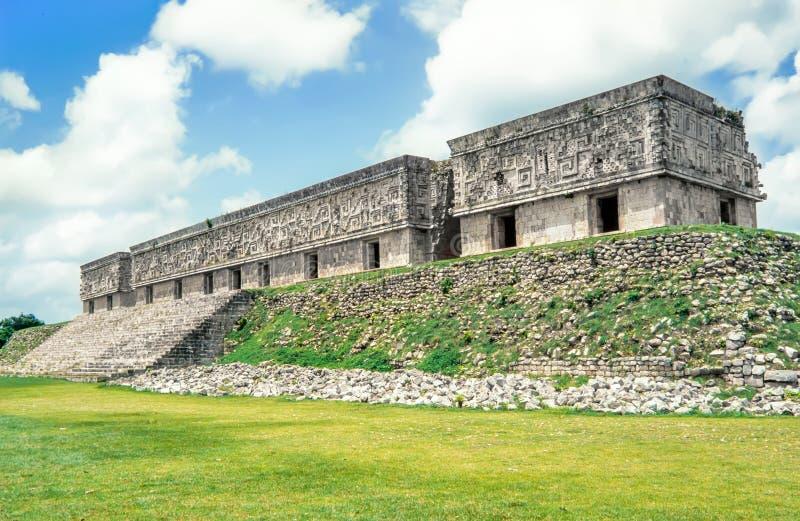 De Plaats van Uxmalarcheogical Mayan Gouverneurs` s Paleis Uxmal, Mexico stock foto