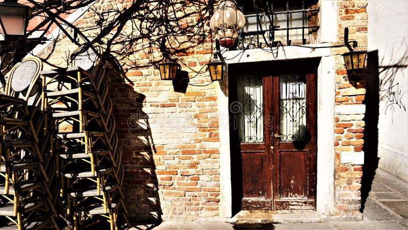 De plaats waar er eens een restaurant in Venetië was royalty-vrije stock foto