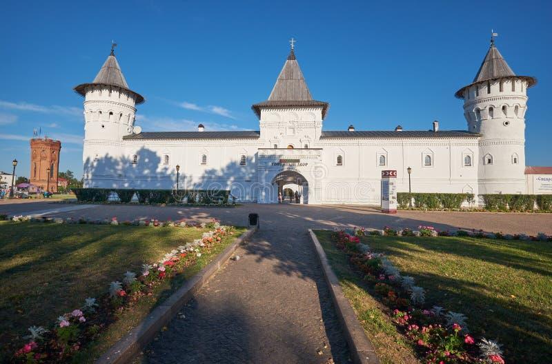 De Plaatsingsbinnenplaats in Tobolsk het Kremlin Tobolsk Tyumen Oblast Rusland royalty-vrije stock foto's