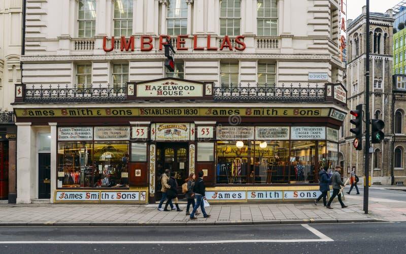 De plak van Victoriaans Londen bloeit op de Straat van Oxford, Londen met de Parapluwinkel van James Smith en van Zonen royalty-vrije stock foto
