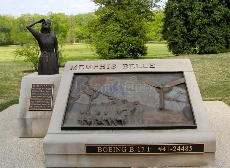 De Plaque van Memphis Belle Memorial Statue en van het Brons stock foto
