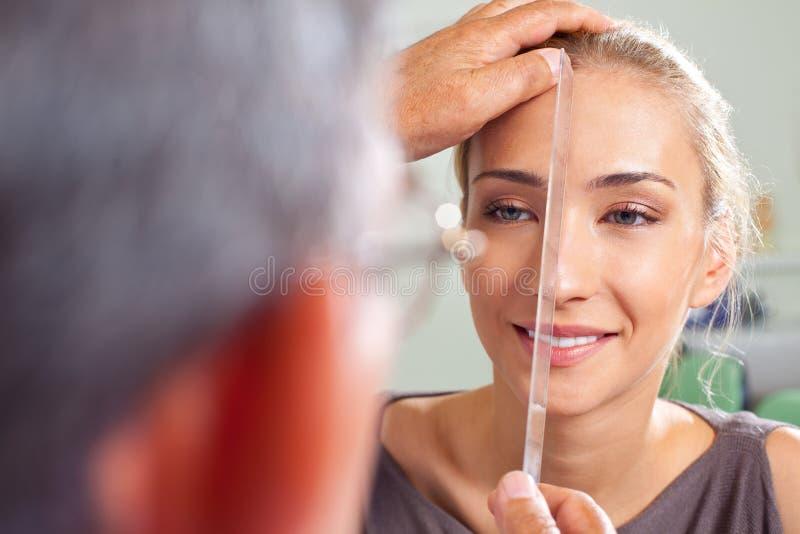 De plastische chirurgievoorbereiding van de neus stock foto