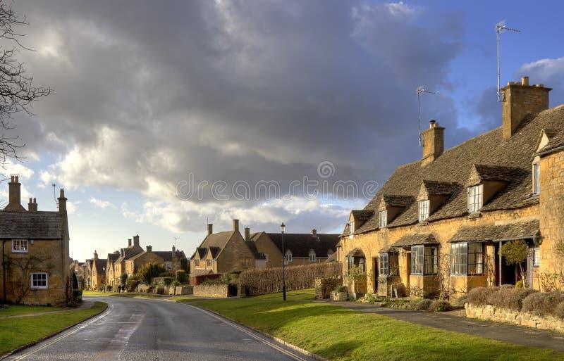 De Plattelandshuisjes van Cotswold, Engeland stock afbeelding