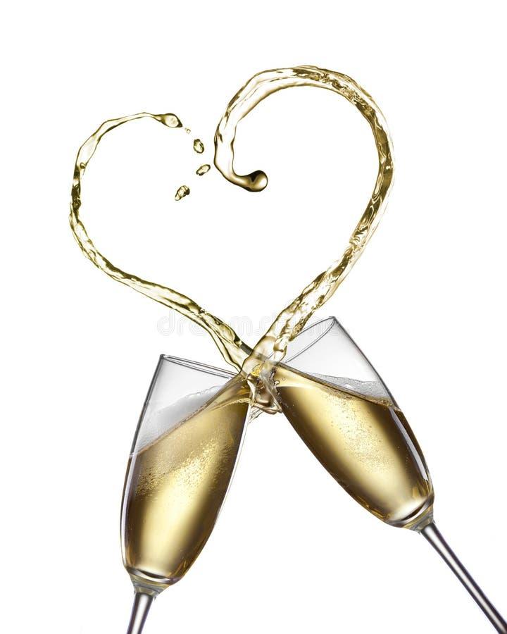 De plons van Champagne in vorm van hart