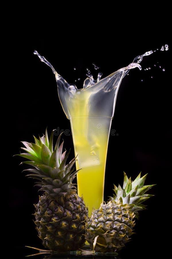 De plons van de ananas stock foto's