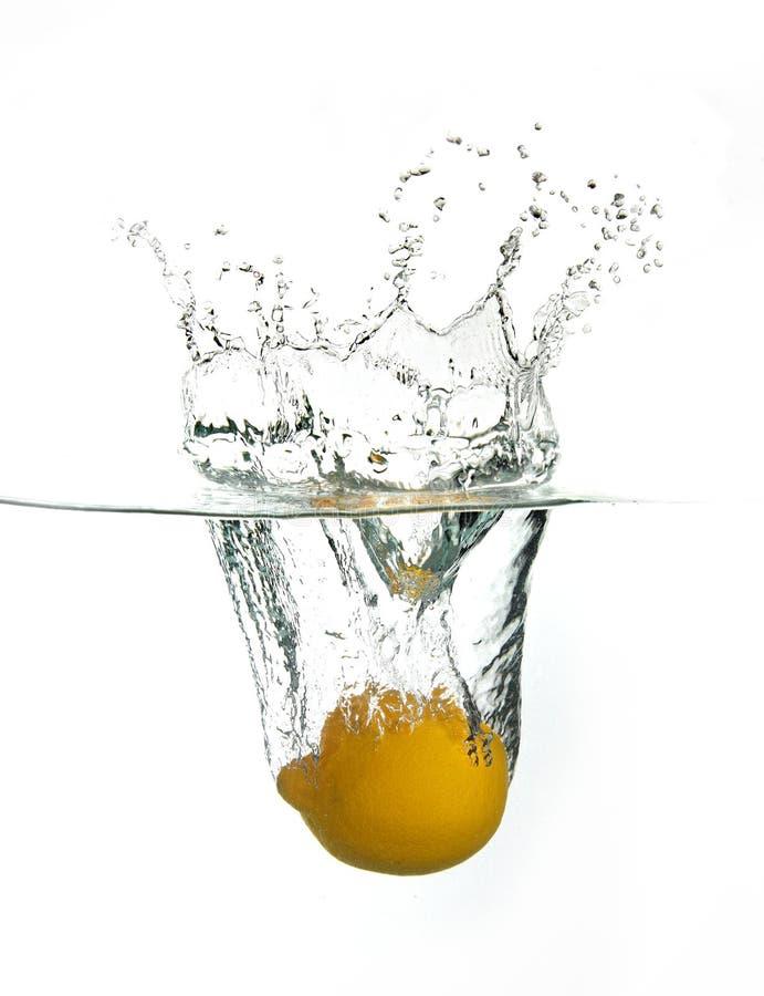 De plons van de citroen royalty-vrije stock fotografie