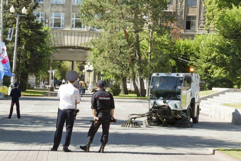 De politieuitrusting houdt orde en veiligheid stock foto