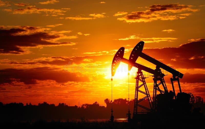 De pomp van de olie stock foto's