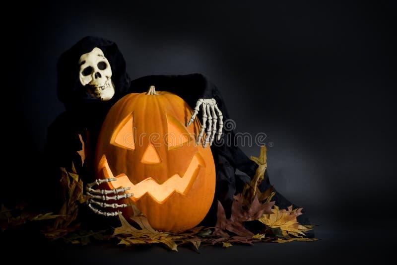 De Pompoen & de Lijkenetende geest van Halloween stock afbeelding