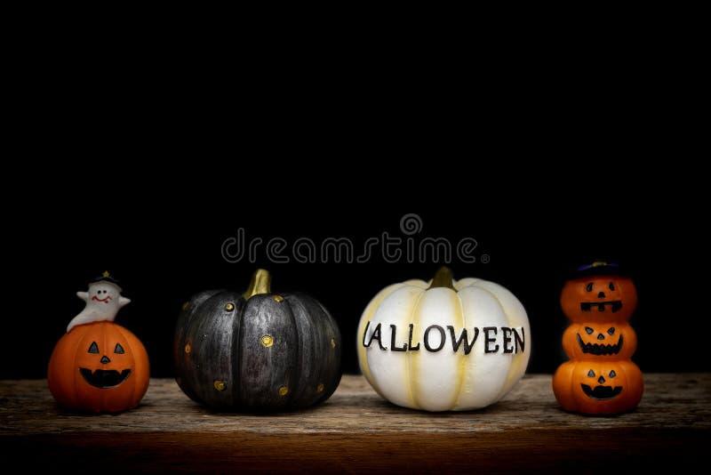 De pompoen van stillevenhalloween op zwarte achtergrond Conc Halloween royalty-vrije stock afbeelding