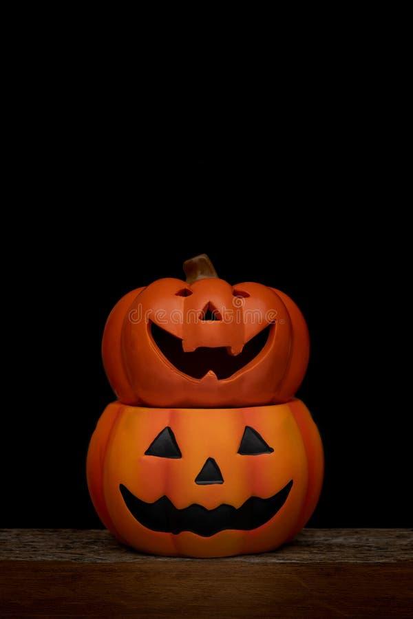 De pompoen van stillevenhalloween op zwarte achtergrond Conc Halloween royalty-vrije stock foto's